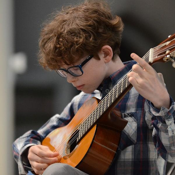 boy-guitar